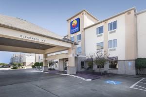 Comfort Inn & Suites – Conway